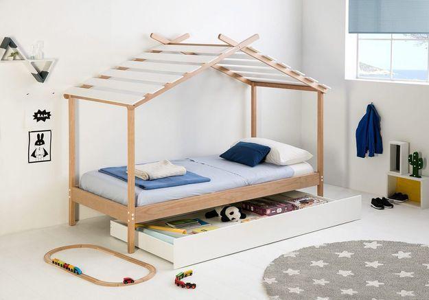 Un lit avec un tiroir pour optimiser les rangements
