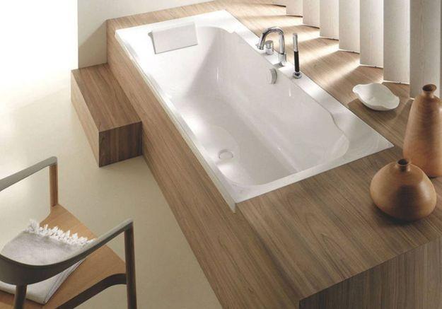 Coffrez la baignoire de la salle de bains dans un esprit japonisant