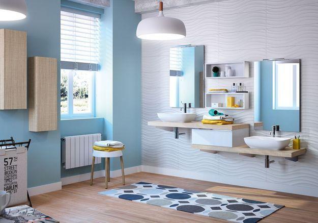 Salle de bains pour enfant avec des vasques adaptées aux petits