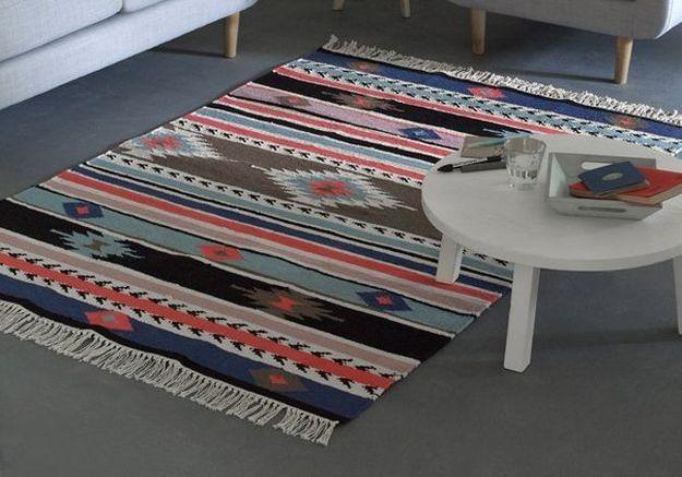 Le tapis pour le sol