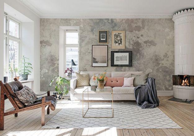 Accumulez les coussins sur le canapé et les siège pour un salon cocooning