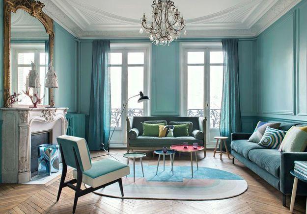 Un salon coloré bleu turquoise