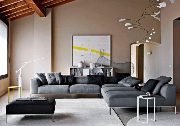 Un salon gris arty