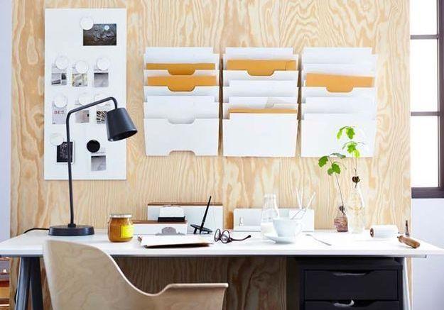Un bureau de pro dans une grande pièce à vivre