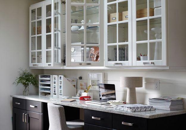 Des meubles de cuisine Ikea détournés en meubles de bureau