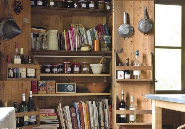 Le conseil d'Hortense Leluc, rédactrice en chef : faire du tri dans la cuisine et la salle de bains