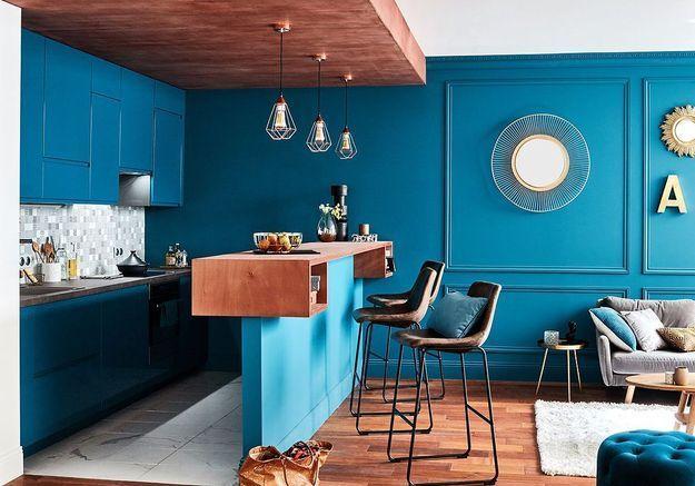 Bleu canard : la couleur dont tous les décorateurs raffolent