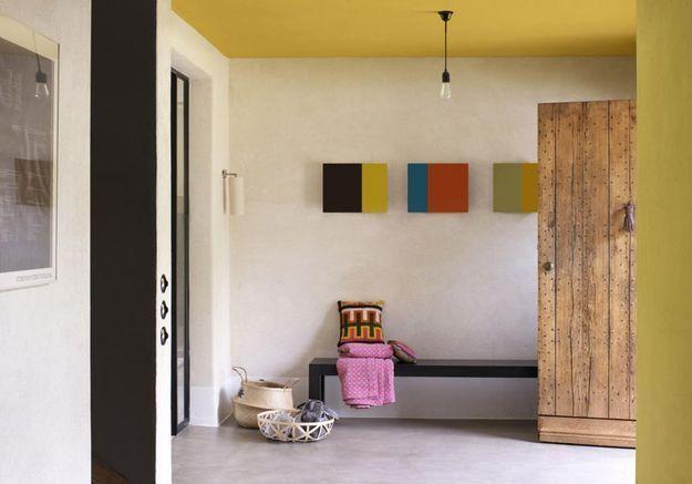 Peindre son couloir via un plafond jaune