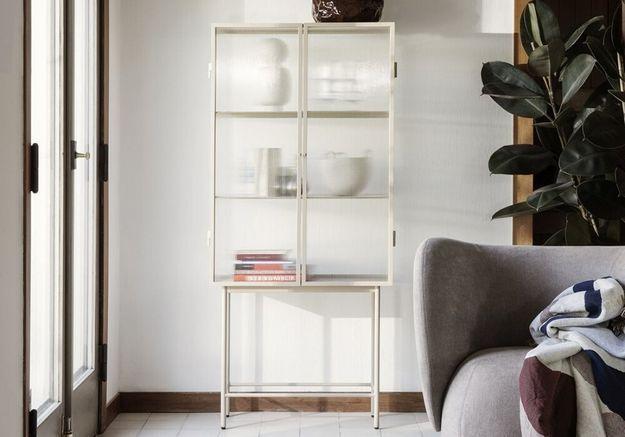 Meuble vitrine : valoriser sa déco avec du mobilier tendance