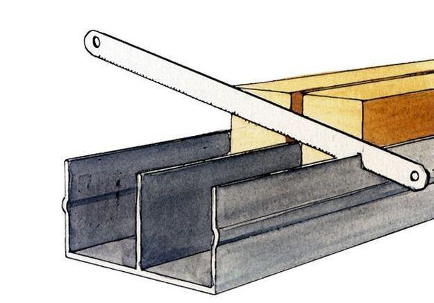 Installer les rails des cloisons coulissantes