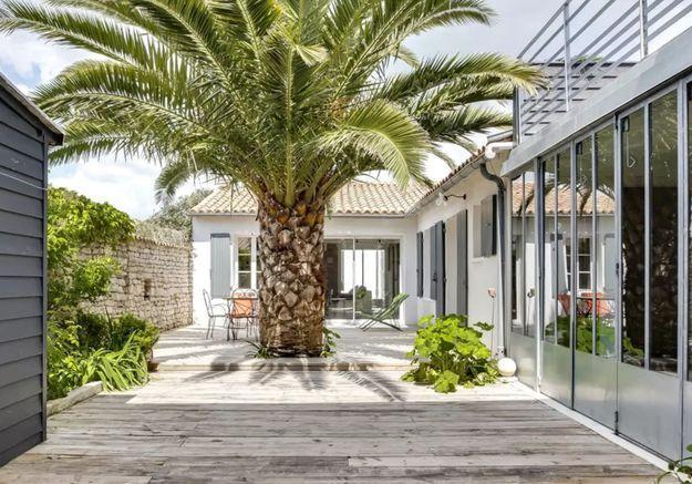Maison avec multiples terrasses sur l'Ile de Ré