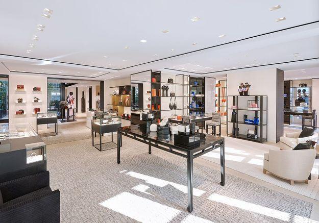 Un espace consacré aux souliers et aux accessoires
