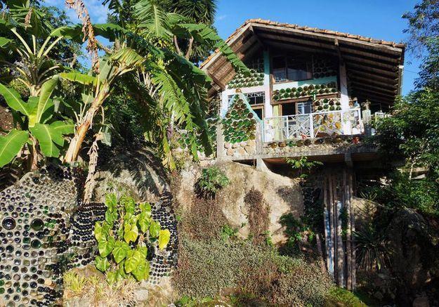 Une maison en bouteilles de verre à Florianopolis (Brésil)