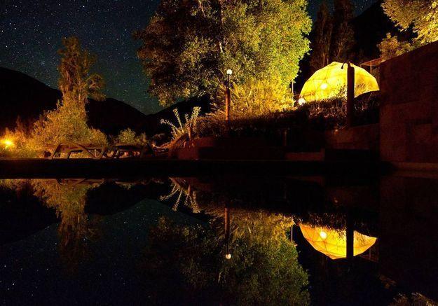 Une tente transparente pour observer les étoiles à Paiguano (Chili)