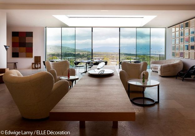 Salon privé avec vue panoramique de la Villa La Coste