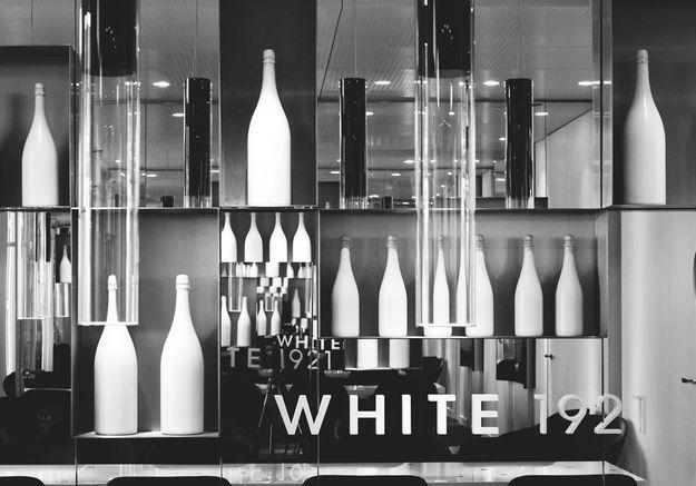 White 21 Salon