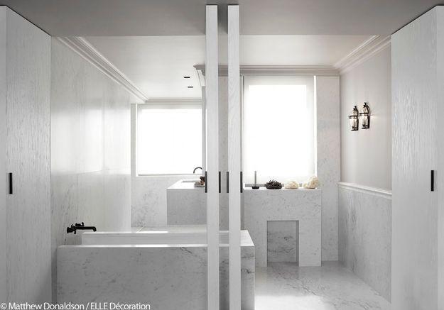 Salle de bains zen en marbre