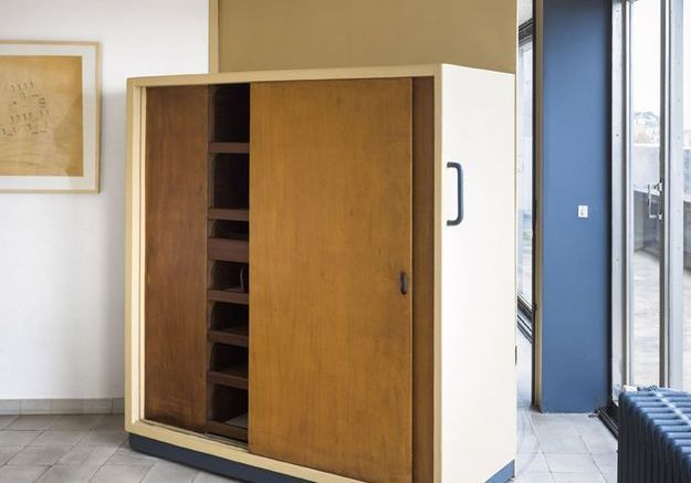 Une armoire dressing