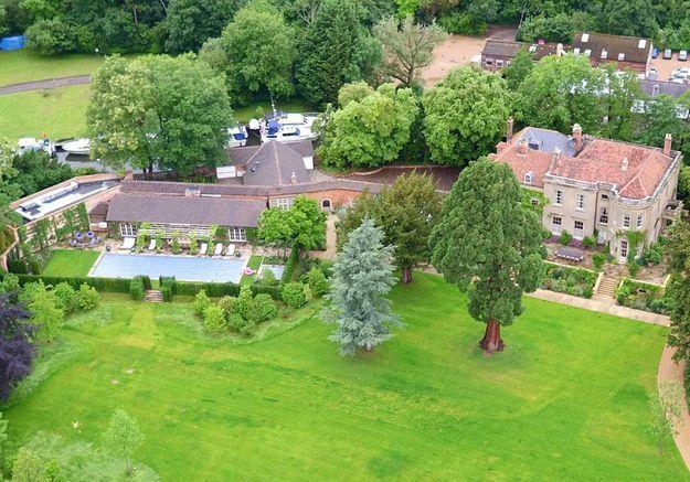 La villa d'Amal et George Clooney (Angleterre)