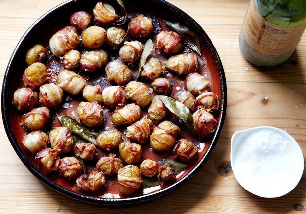 Mini-pommes de terre à la poitrine fumée et aux feuilles de laurier