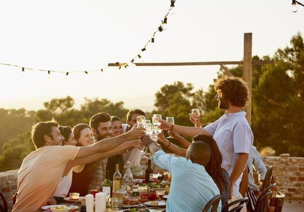 8 bonnes manières de passer à table dans le monde