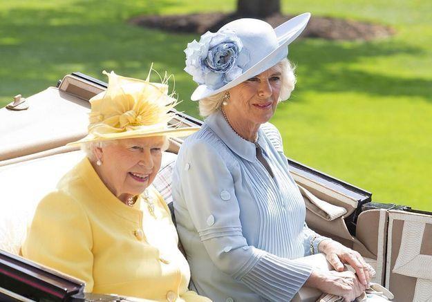 Camilla parker bowles confirme une trange r gle royale en cuisine elle table - Une royale en cuisine ...