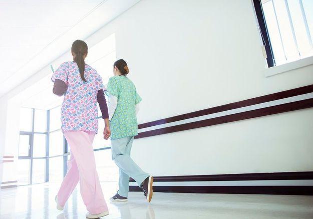 Infirmières, médecins et aides-soignantes… A l'hôpital, les femmes sont toujours moins payées que les hommes