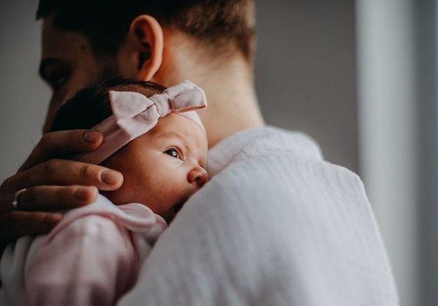 Le congé paternité s'allonge pour les pères de bébés prématurés