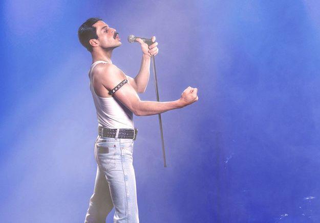 Rami Malek dans le film, joue Freddie Mercury