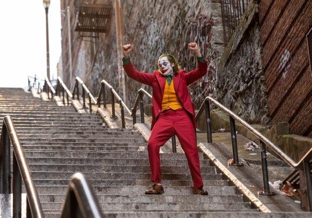 « Joker » : Joaquin Phoenix sombre dans la folie dans l'ultime bande-annonce
