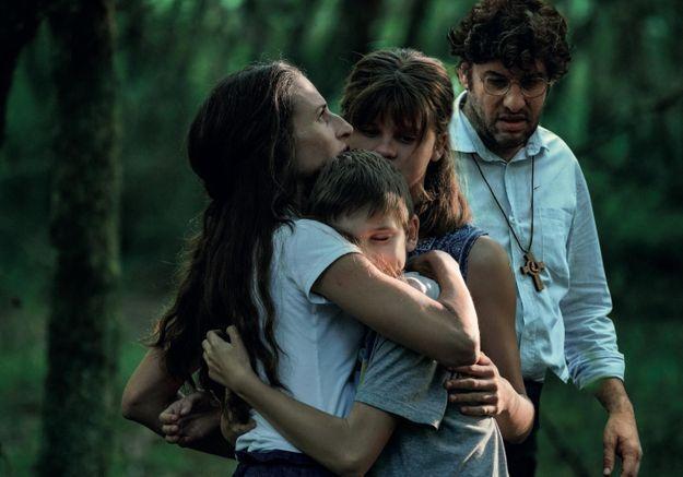 Les Éblouis : un film bouleversant avec Camille Cottin et Céleste Brunnquell
