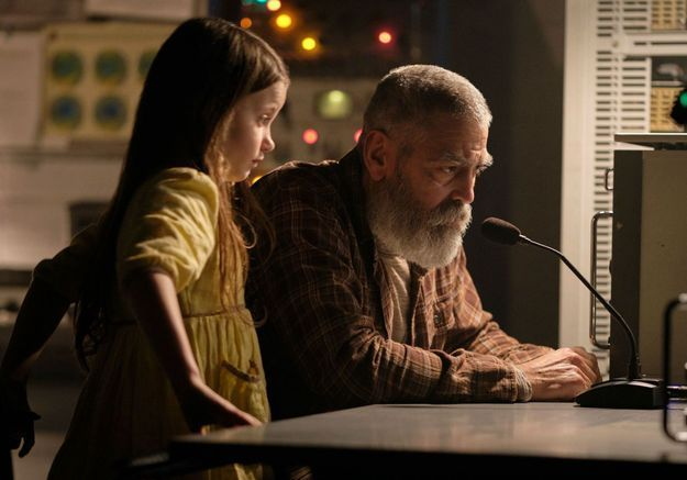 Minuit dans l'univers : une bande-annonce apocalyptique pour le prochain film de George Clooney sur Netflix