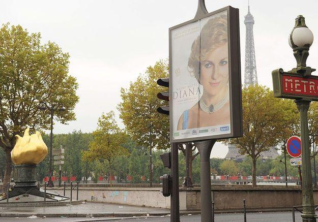 Une affiche de « Diana » provoque la polémique près du pont de l'Alma