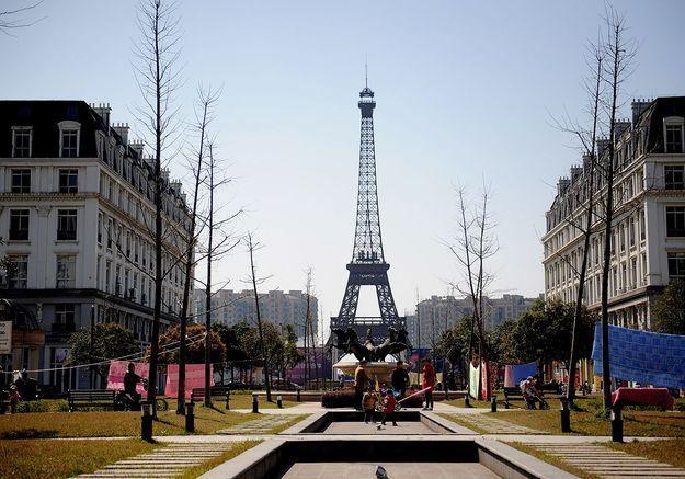 Et si on visitait la Tour Eiffel ailleurs qu'à Paris ?