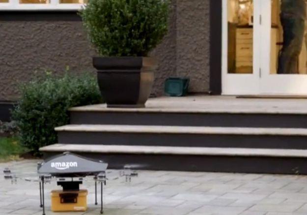Amazon prépare des livraisons de livres par mini-drones
