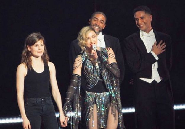 Christine and the Queens se déhanche sur scène avec Madonna