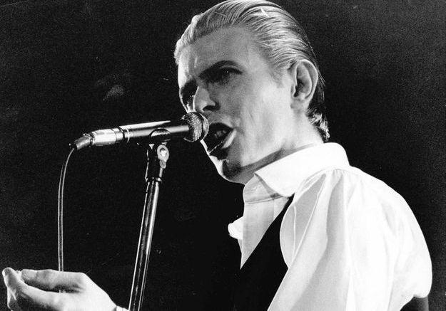 David Bowie va composer une chanson pour la comédie musicale « Bob l'éponge »
