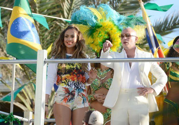 J-Lo et Pitbull dévoilent l'hymne officiel du Mondial 2014