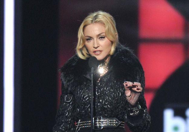 Madonna reprend « La Vie en rose » sur scène