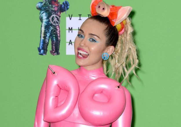 Miley Cyrus met son nouvel album en écoute gratuite sur Internet