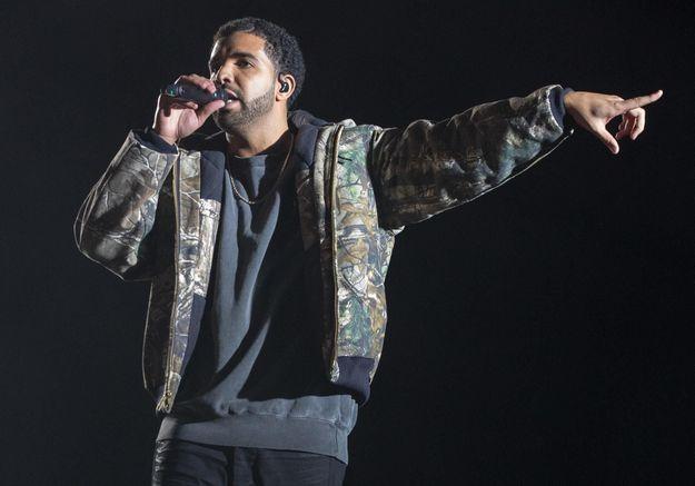 #PrêtàLiker : Drake remplace les paroles de sa chanson « Madonna » par « Rihanna »