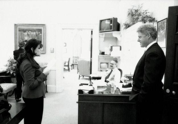 American Crime Story saison 3 : une première photo du tournage de la série sur l'affaire Monica Lewinsky