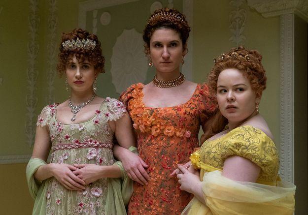 Bridgerton : un indice sur l'identité de Lady Whistledown se cache dans le premier épisode