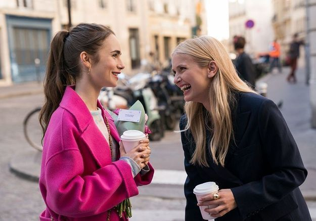Emily in Paris : Camille Razat en dit plus sur la saison 2