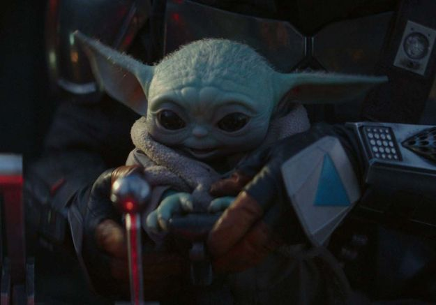 Star Wars : George Lucas a rencontré le craquant Baby Yoda !