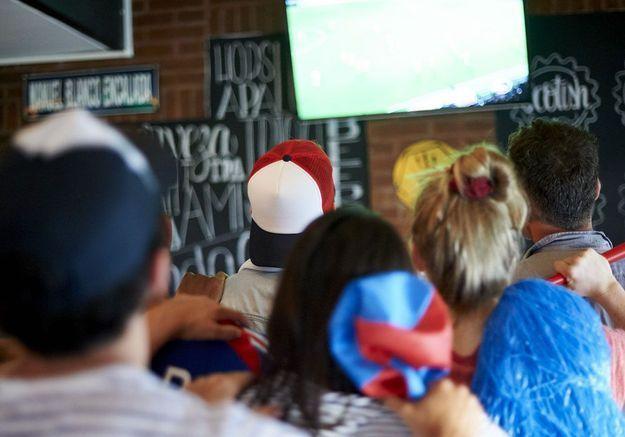 Nos adresses de bars pour suivre un match de foot, partout en France