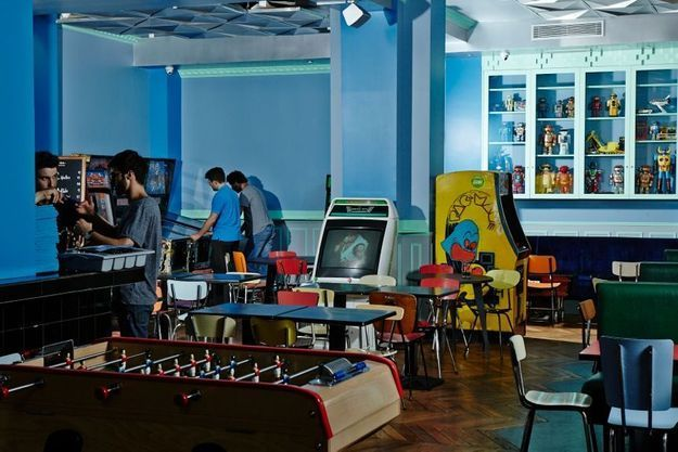 Le bar à jeux Le Fantôme