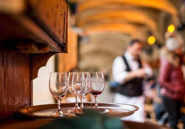 Les meilleurs bars à vin pour un apéro réussi