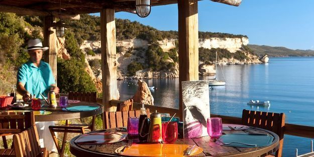 La terrasse de rêve de U Capu Biancu à Bonifacio (Corse-du-Sud)