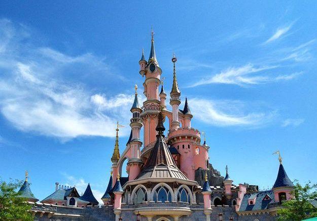 Disneyland Paris dévoile son guide de tour du monde dans le parc